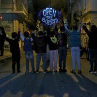 [Grécia] Atenas: As crianças sabem! Abram as fronteiras!