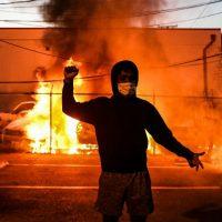 Procurador dos Estados Unidos culpa anarquistas por violência em protestos