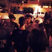 [Grécia] Vídeo | Tessalônica: Polícia de choque ataca violentamente pessoas que circulavam na praça Kallithea