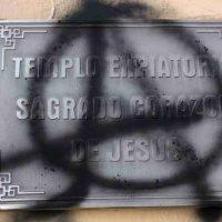 [México] Anarquistas atacam a Catedral, o Beatério e comércios de Xalapa em marcha contra a repressão policial