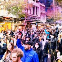 Multidões protestam na Nova Zelândia contra a morte de George Floyd