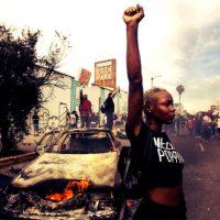 Apesar do toque de recolher, protestos anticapitalistas, antirracistas e antipolícias continuam nos EUA