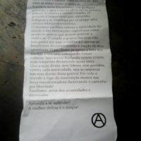 """Panfleto que voou nas ruas de Porto Alegre (RS): """"Isso aqui é uma guerra"""""""
