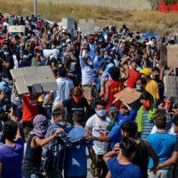 [Grécia] Vídeo | Moria, Lesbos: 2.000 imigrantes protestam com apenas uma demanda. Liberdade (Azadi)