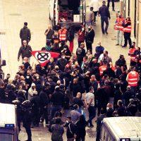 """[Espanha] A polícia detém por delito de ódio """"contra nazis"""" três antifascistas enquanto ignora a lei contra símbolos franquistas"""