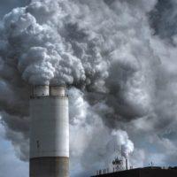 Poluição do ar provocou a morte de quase 500 mil recém-nascidos em 2019