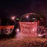 """[EUA] Rockford: """"Diga não ao novo COINTELPRO!,"""" lançamento do banner #FreeAnt"""