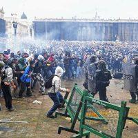 [Colômbia] Protestos contra reforma tributária têm confrontos entre policiais e manifestantes