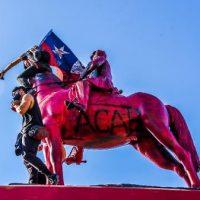 Como a estátua de general Baquedano virou foco de manifestações no Chile