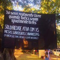 [Porto Alegre-RS] Agitação e difusão sobre a greve de fome dxs companheirxs anarquistas no $hile durante a Feira Anarquista de Outono