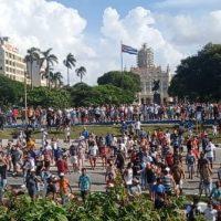 """""""Caminhei um quarteirão com raiva"""": A história de um estudante universitário que protestou em 11 de julho em Cuba"""